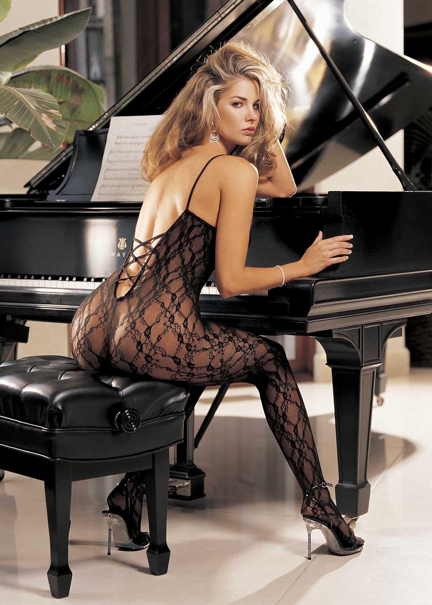 Сексуальный комбинезон с имитацией шнуровки сзади от Shirley of Hollywood