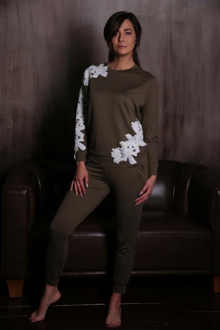Мягкий брючный костюмчик цвета хаки с кружевом 0357-0363 от Effetto