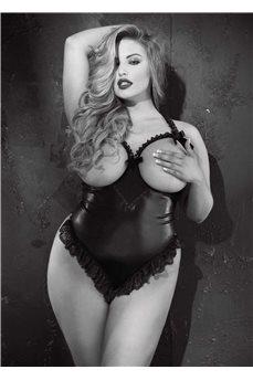 Эротическое боди с открытой грудью и попой