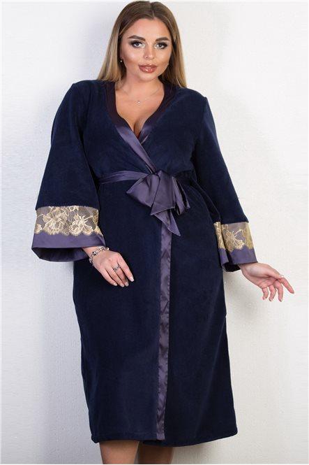 Махровый удлиненный халат с атласными вставками и кружевом 334 от Felena